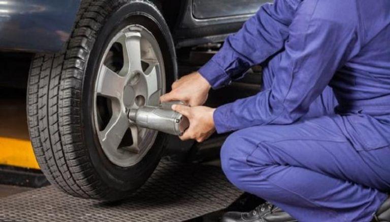 إصلاح إطارات السيارة