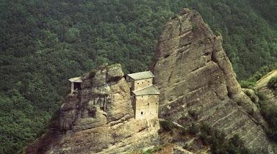 Castello della Pietra a Vobbia: Come arrivare con il Sentiero dei Castellani