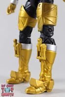 Lightning Collection Beast Morphers Gold Ranger 08