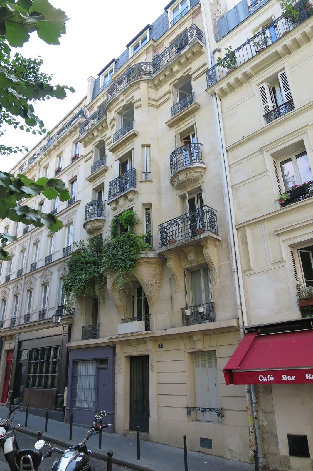 la rte le p re d 39 ulysse place charles dullin paris xviii me arrondissement. Black Bedroom Furniture Sets. Home Design Ideas