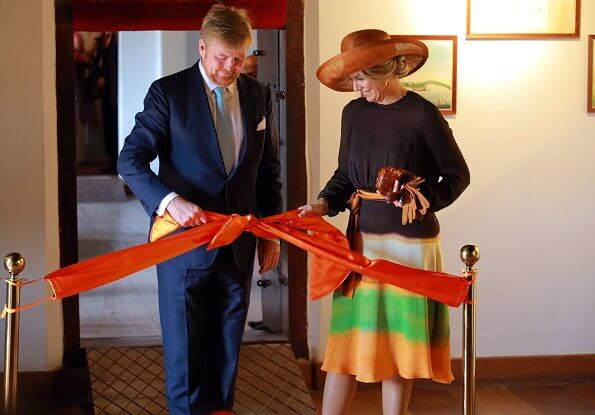 Queen Maxima wore Jan Taminiau short dress. Queen Maxima wore a pattern print silk dress by Jan Taminiau in India