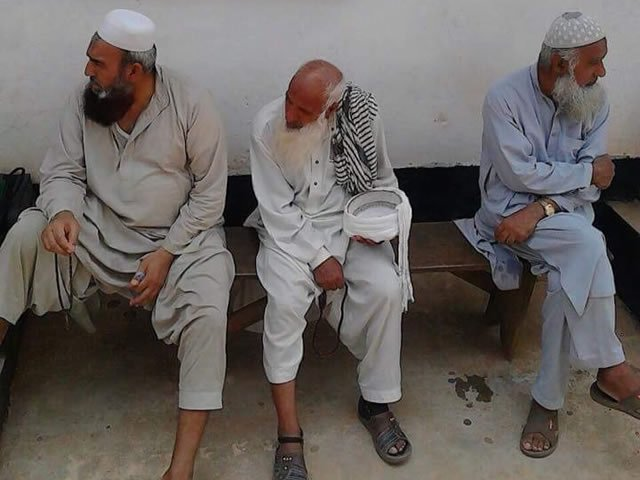Police arrest 13 Pakistanis over terror suspicion