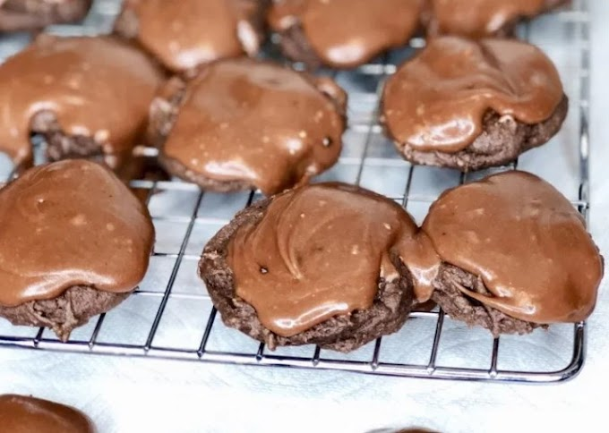 Texas Sheet Cake Cookies #cookies #desserts