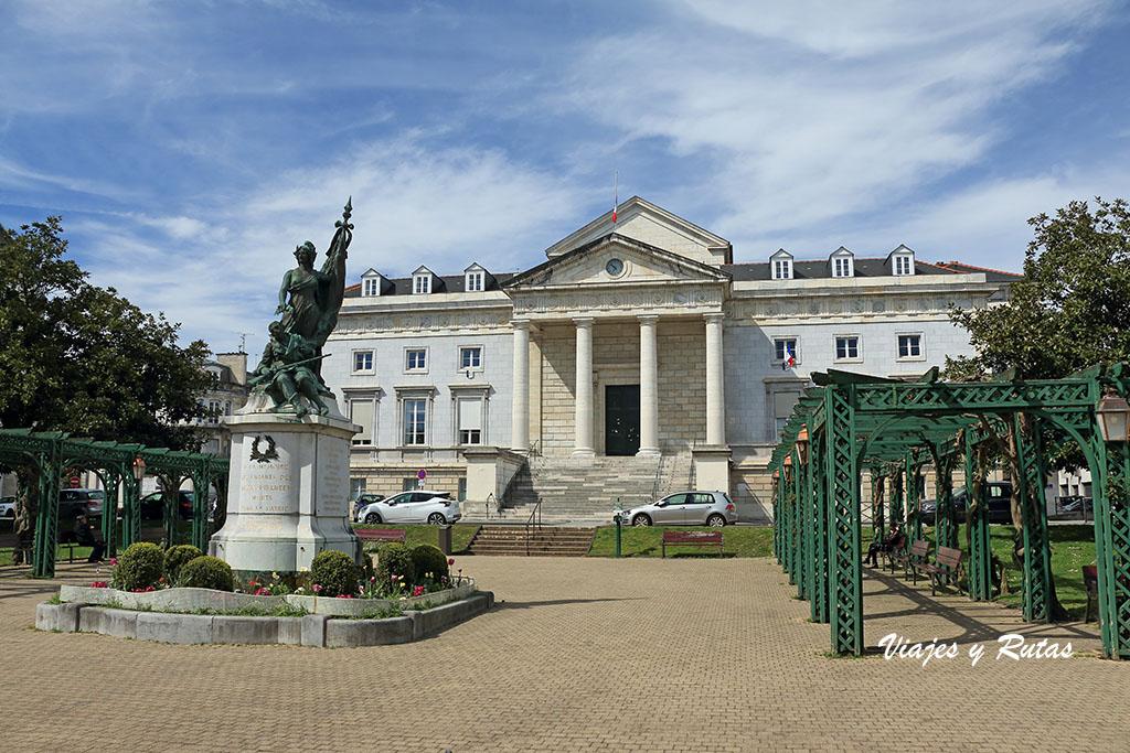 Plaza de la liberación, Pau