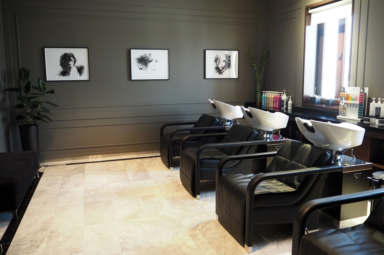 Luxury voesh manicure and pedicure rossano ferretti spa for 7 shades salon dubai