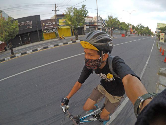Bersepeda akhir pekan