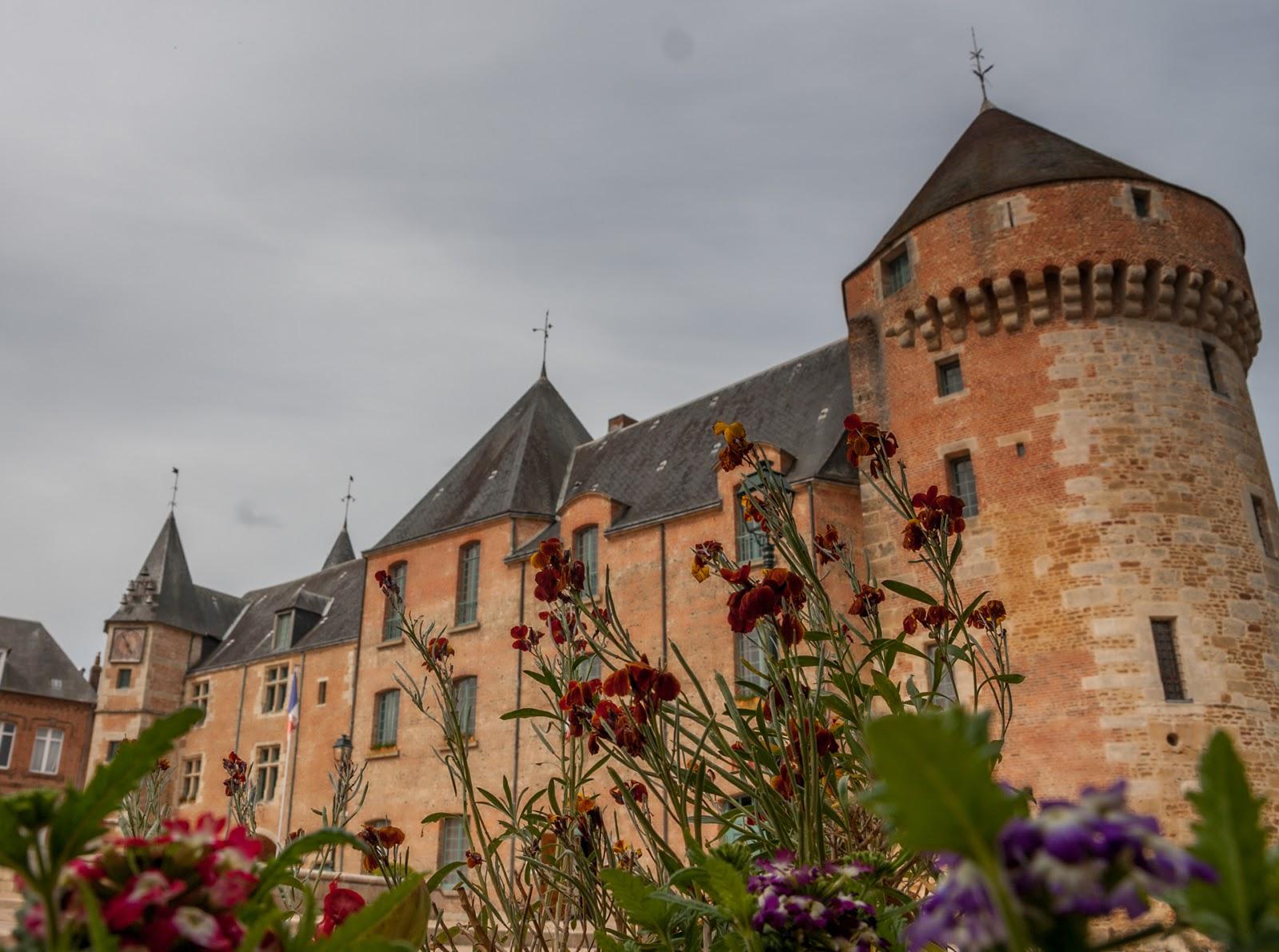 gacé chateau pays d'auge normandie