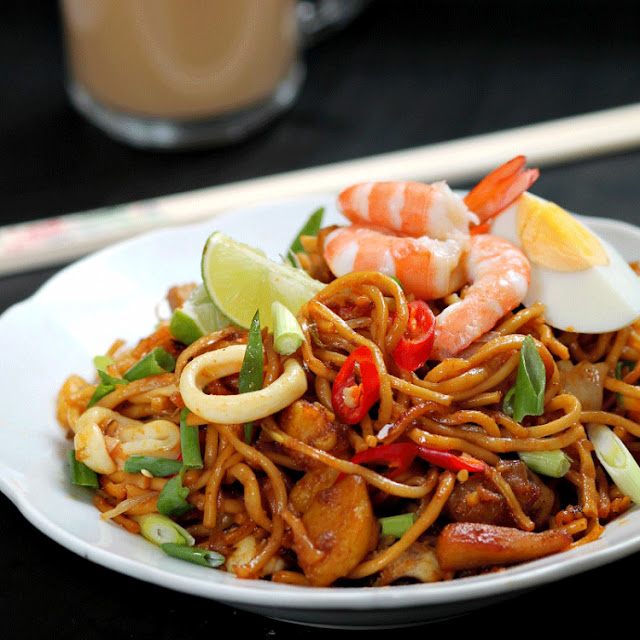 Coconut Oil with Shrimp and Noodles - 2