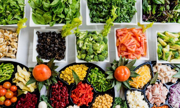 Medidas simples ajudam a evitar que o coronavírus contamine alimentos