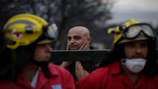 ΤΡΑΓΩΔΙΑ - Η σοκαριστική στιγμή που αντικρίζουν τους 26 νεκρούς αγκαλιασμένους στο Κόκκινο Λιμανάκι [photos]