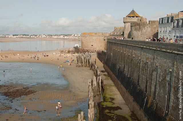 Viaje Saint Malo que ver murallas imprescindibles Bretaña Normandia