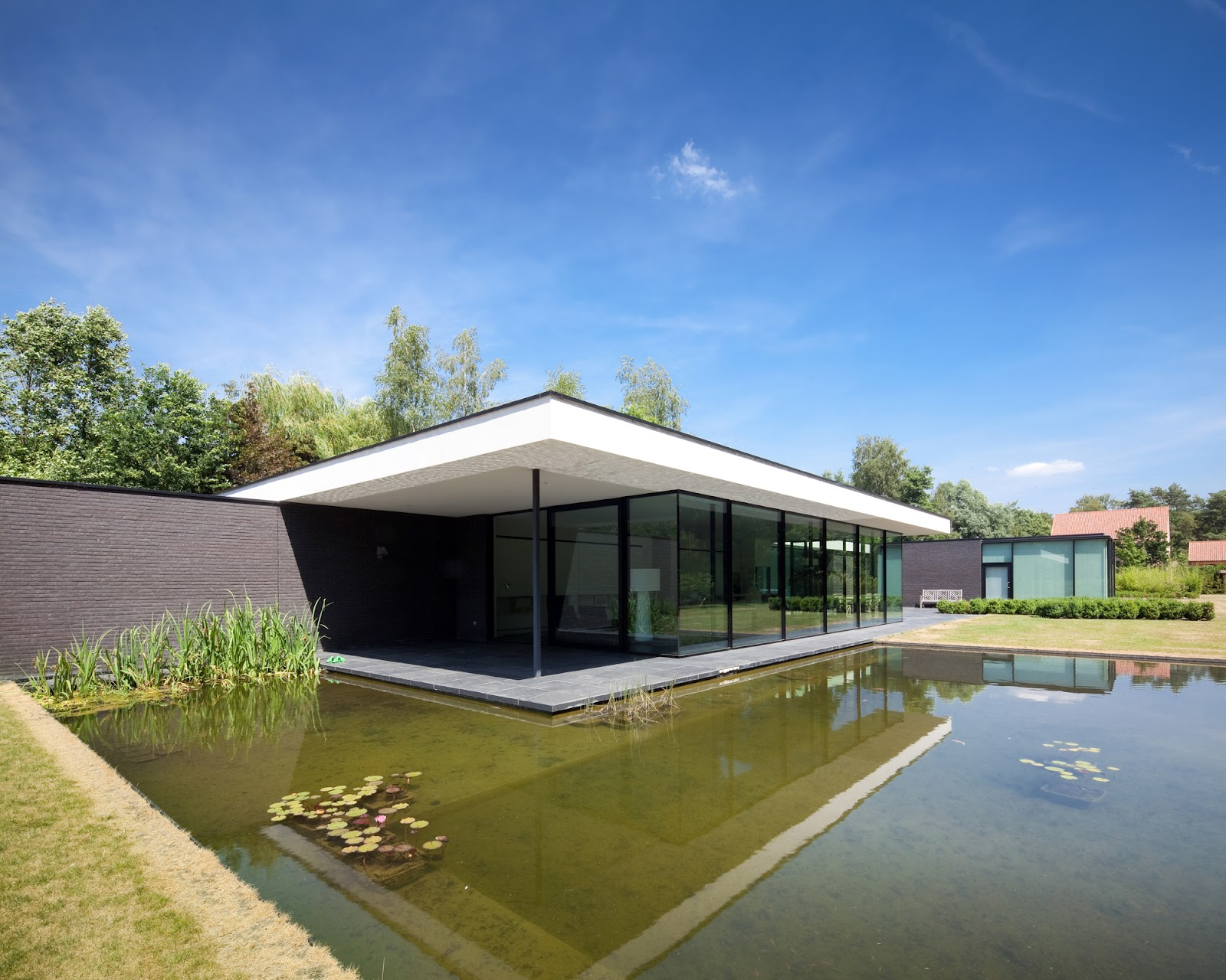 Ultra Modern Glass House Architecture | modern design by ... on Modern Glass Houses  id=80981