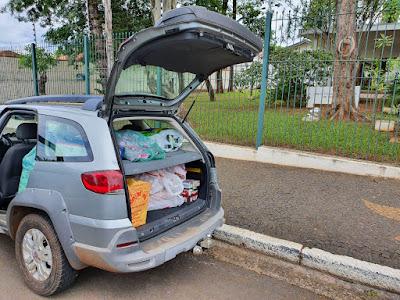 Os luteranos de Nova Odessa encheram uma Station Wagon com presentes para doação.