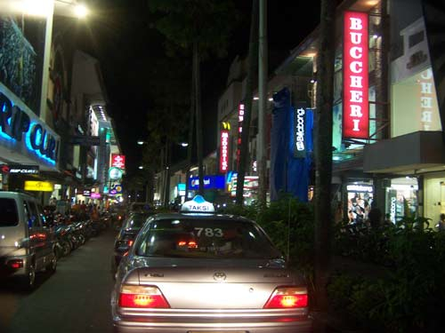 Afraid of walking around at night in Bali?. Hiring a cab and you can view the night life in Bali with safe and comfortable way. Photo by Asep Haryono