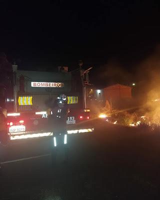 Incêndio em vegetação de loteamento em Barreiras