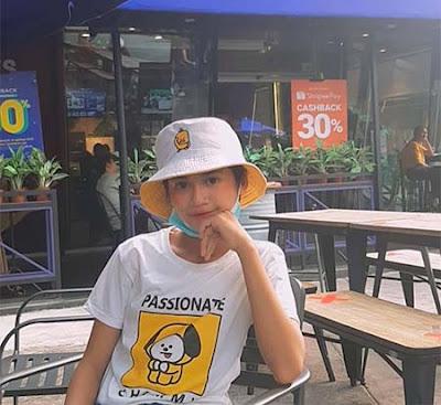 Asya Lianda Pakai Topi