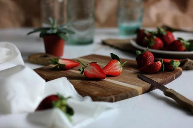 keto diet, low carb diet, keto strawberry shake, shake, health, fitness,