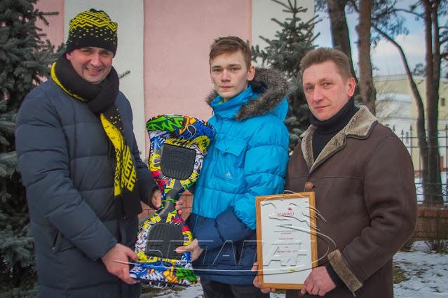 15-летний Виталий Титов совершил настоящий подвиг! Парень прыгнул в холодную воду, чтобы спасти маленького мальчика