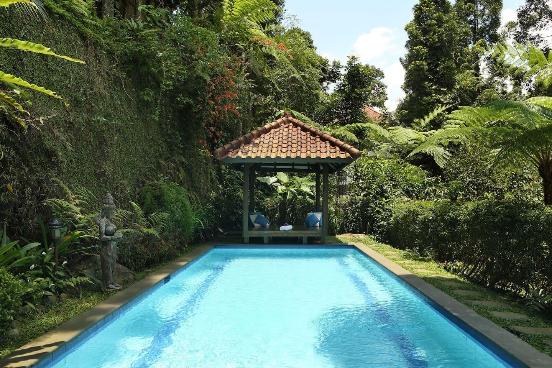 villa private pool di puncak bogor