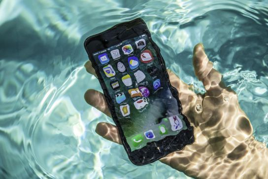 5 Ways To Save Your Phone When It Falls In Water