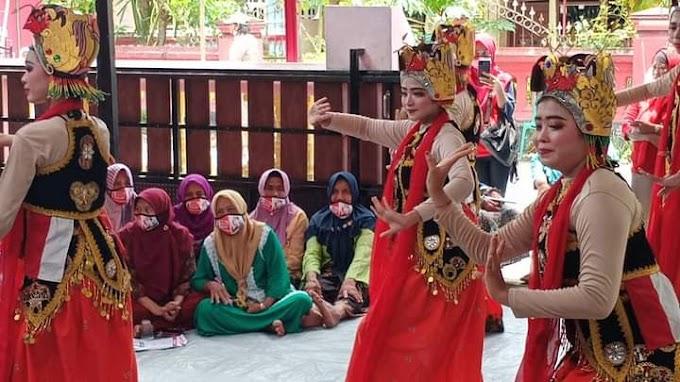 Faida-Vian Di Sambut Tarian Khas Bayuwangi Di Jombang ,Masyarakat Siap Menangkan Pemilu Kada 9 Desember 2020