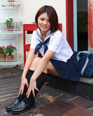 Japanese Kawai Model Tsubasa Akinomoto seragam siswi seksi pendek