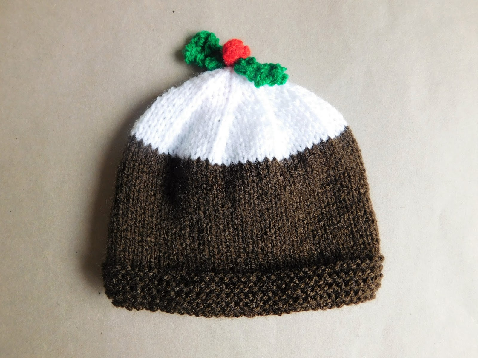 mariannas lazy daisy days: Christmas Pudding Baby Hat