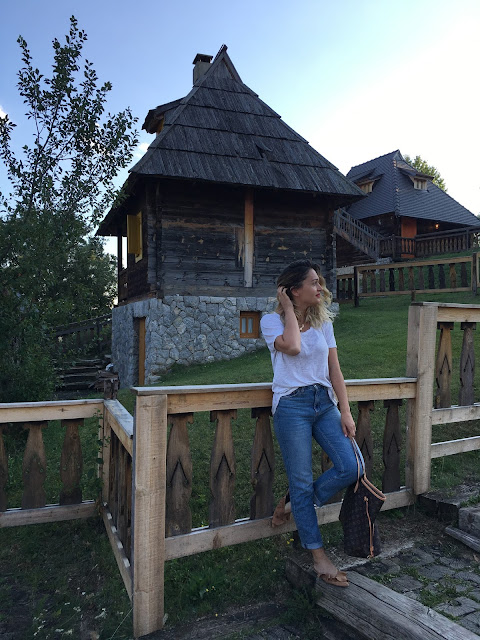 Travel blogger, travel serbia, tourism serbia, best places to visit in eastern europe, sashadoll, blogger outfit, how to wear mom jeans, best of street style, toronto fashion blogger, best canadian bloggers, fashion canadians