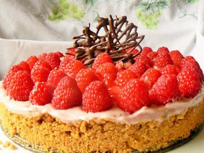 Raspberry & Pomegranate Cheesecake