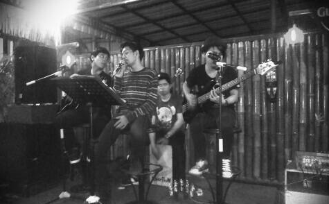 Live Perform RiverFlow at Oldtime Kopithua Jl.Ringroad