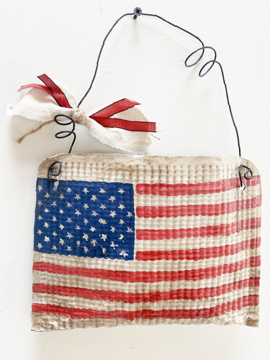 Aluminum American flag flower pouch