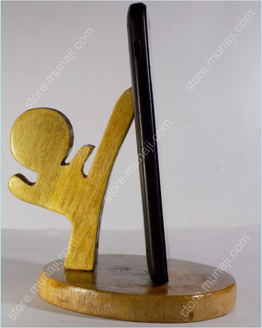 gambar produk 1 Dudukan HP Dari Kayu - Bentuk Wong Gaya Nendang (Wooden Phone Stands)