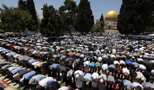 http://1.bp.blogspot.com/-AiNT913RSTk/VYTTDrec1aI/AAAAAAABHAo/Lcghs0pt4pA/s1600/ramadanfriday-aqsa.jpg