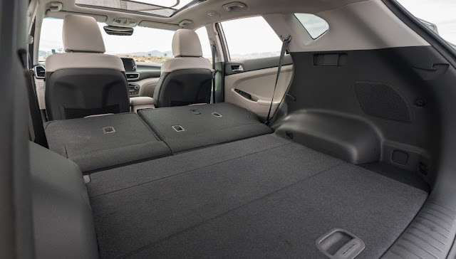 hyundai-tucson-ultimate-large-trunk-storage-space