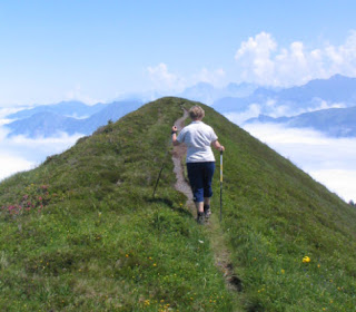 walking up an incline to reduce waist size