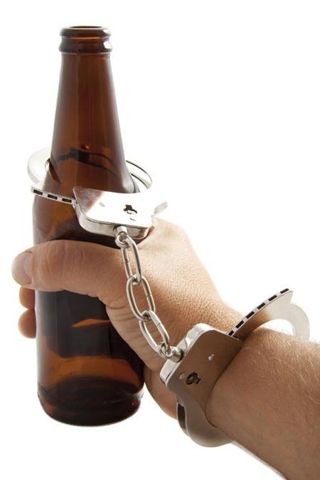 ما الذي يحدث لجسمك عندما تتوقف عن شرب الكحول؟