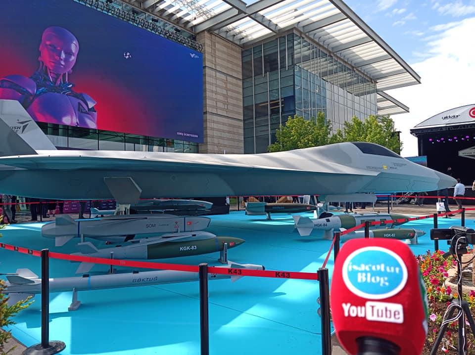 Milli Muharip Uçak Verimlilik ve Teknoloji Fuarında Ziyaretçilerle Buluştu