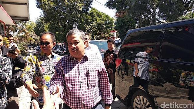 Fahri Hamzah Gagal 'Interogasi' Nazaruddin di Lapas Sukamiskin