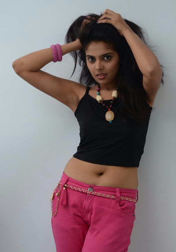 Actress Shravya's sizzling Navel Show