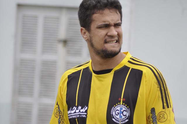 Grêmio garante vaga na semifinal da 1ª Divisão