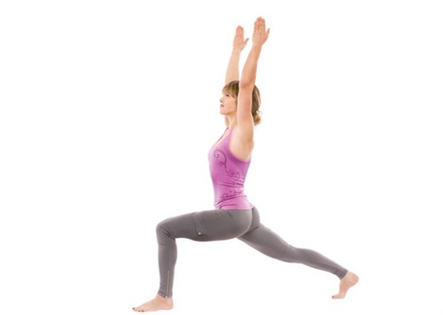 Strengthen-Core-with-Lunges