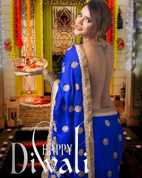 Jinnie Jaaz backless saree actress charmsukh jaane anjaane mein ullu app