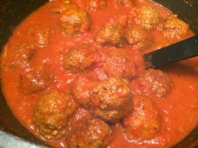 recept gehaktballen in tomatensaus