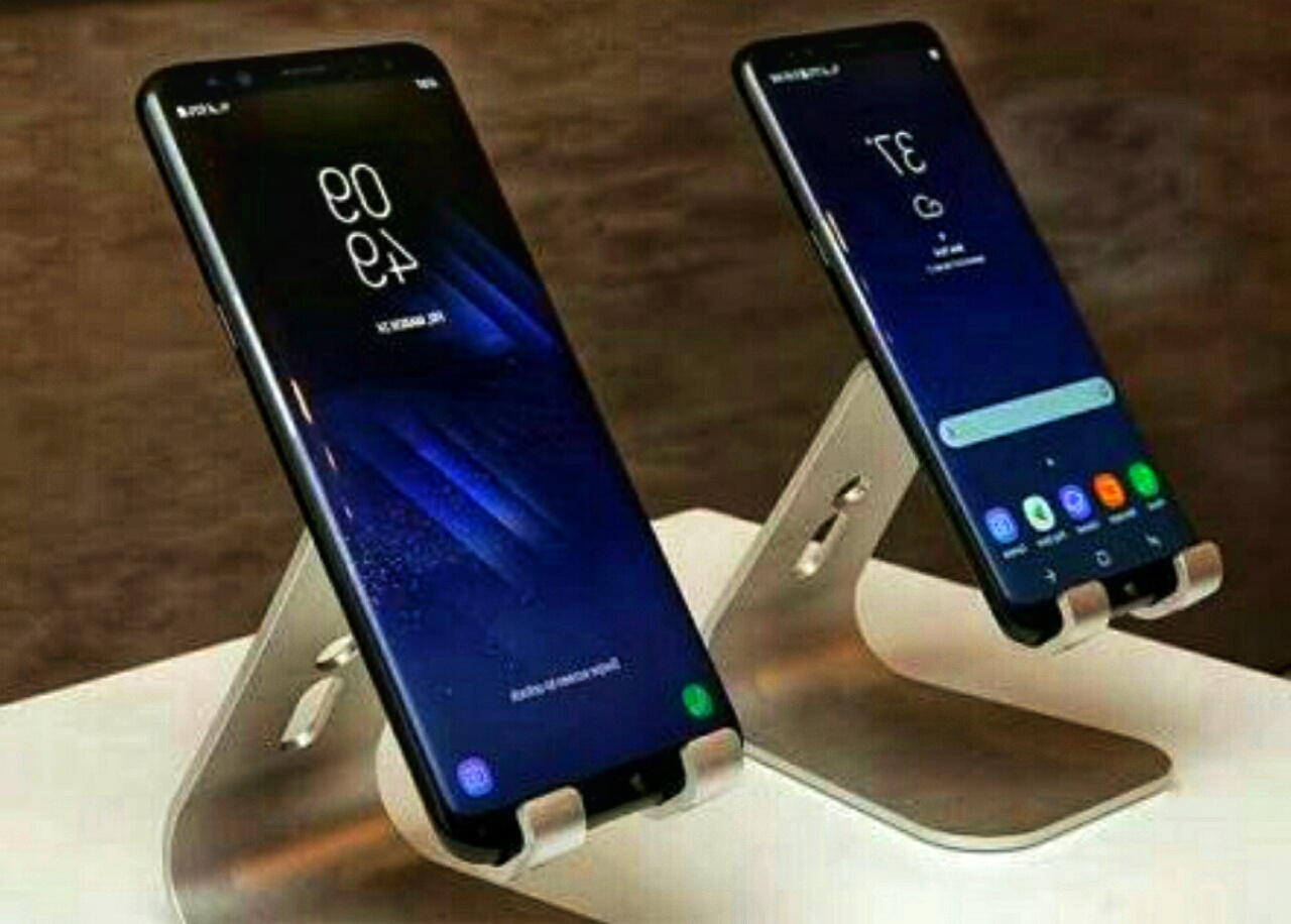 samsung galaxy s9 and s9 plus leaked with different. Black Bedroom Furniture Sets. Home Design Ideas