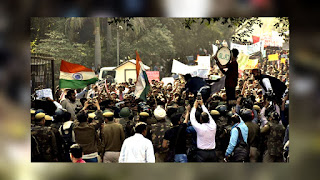 Police Stopped the JNU Students from the Protest
