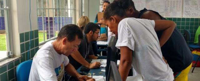 Quantos venezuelanos estão em Boa Vista atualmente? Mesmo as cifras oficiais atualmente são consideradas confusas, o que dificulta a adoção de políticas públicas e gera ainda mais desinformação e preconceito contra os migrantes. É com o objetivo de responder a essa pergunta da forma mais próxima possível da realidade que uma força-tarefa organizada pela Prefeitura de Boa Vista foi realizada neste sábado (09) em 34 escolas municipais da capital roraimense.