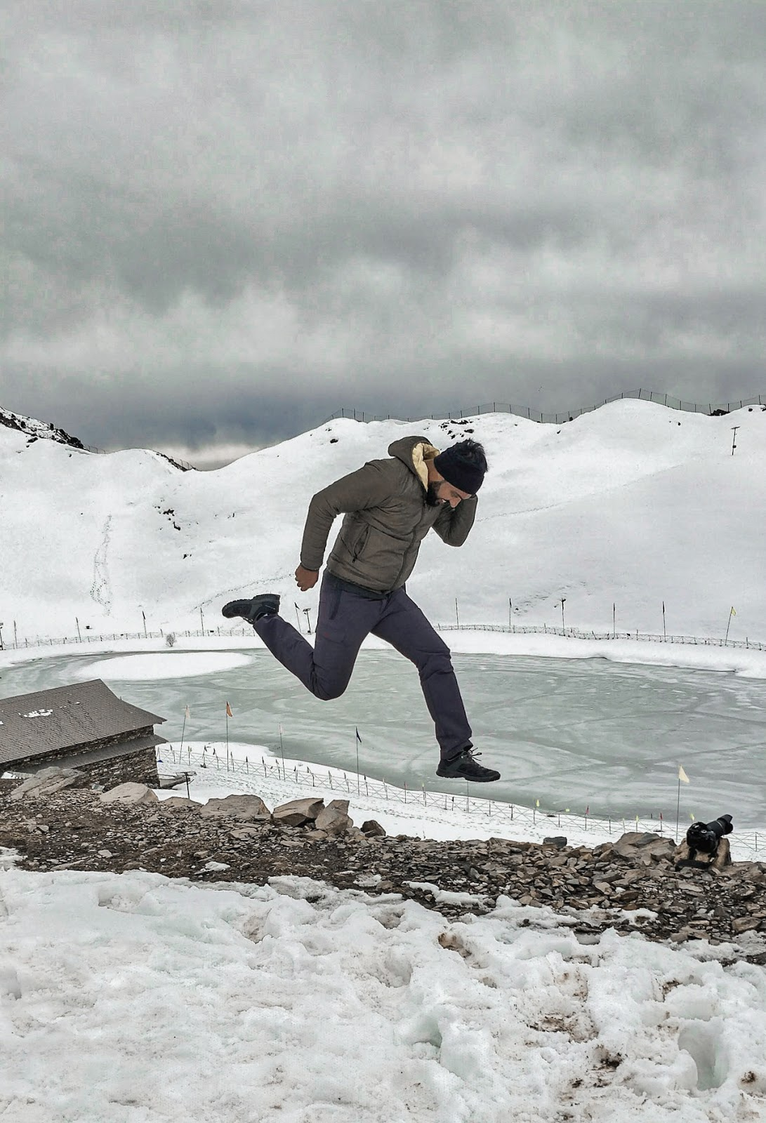 Jump Shot on Parashar Lake.