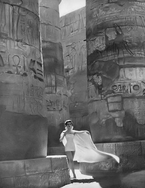 1951. Dovima by Richard Avedon