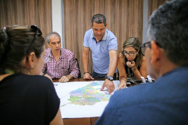 Prefeitura do Cabo discute com a Compesa ampliação da rede de abastecimento em Ponte dos Carvalhos