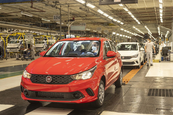 Fiat Argo 2022 - linha de montagem em Betim (MG)
